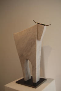 po Danielle Poutissou-Taureau- marbre et acier (3)